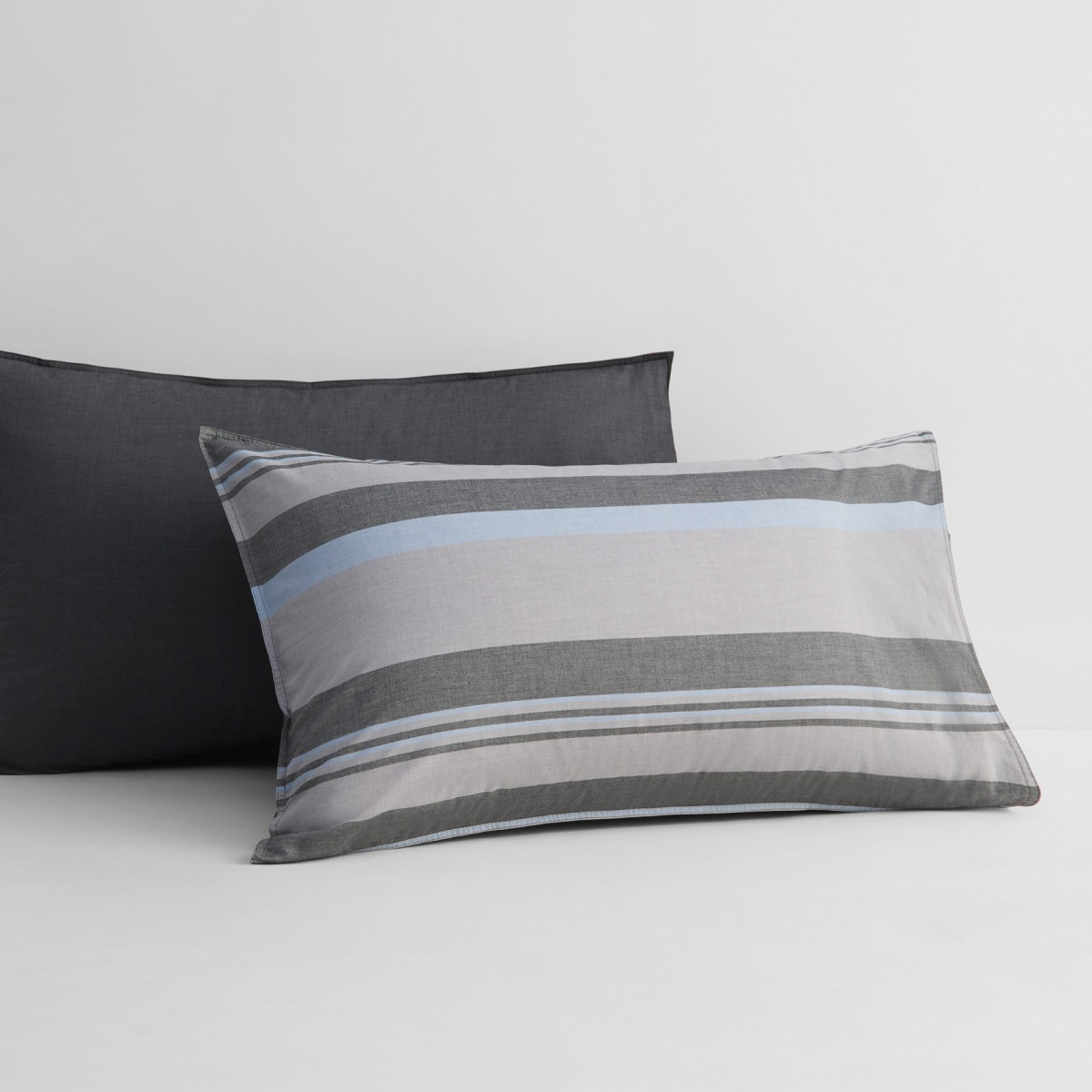 Sheridan Pelham Pillowcase Pair Carbon