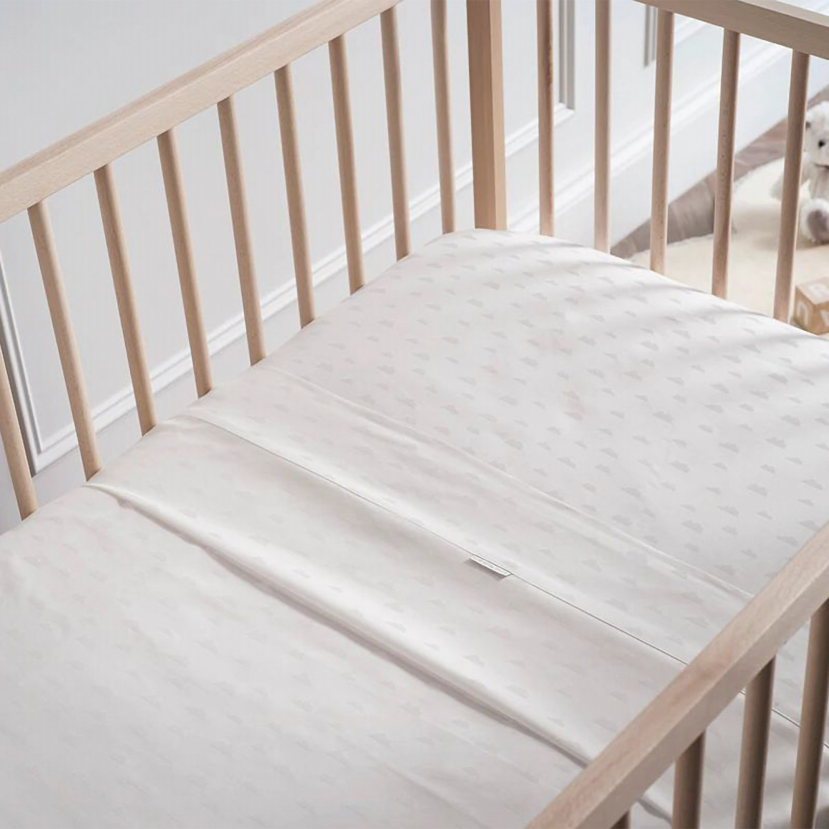 Sheridan Cloudsie Baby Cot Sheet White